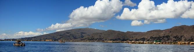 Die Schilfinseln auf dem Titicacasee in Peru