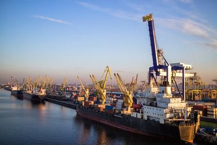 Container Terminal Rotterdam - Die 10 größten Häfen der Welt